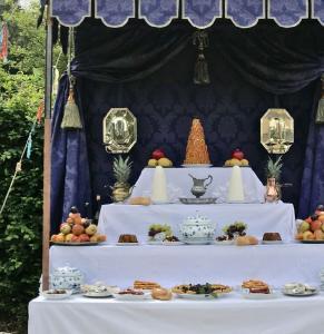 Schaubuffet von Venez-y-Voir beim Märchenfest auf Schloss Bürresheim